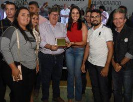 ODE PATOS: João Azevêdo entrega benefícios e população elege educação como prioridade