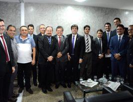 Promotores de justiça e deputados  fazem visita de cortesia ao presidente João Corujinha, da CMJP