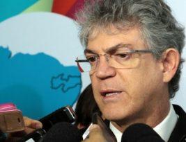Ricardo Coutinho lamenta liberação de 63 novos agrotóxicos e critica ganância do Agronegócio no Brasil