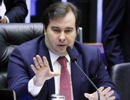 """Caixa """"rouba"""" R$ 7 bilhões por ano de trabalhador com taxa de FGTS, denuncia Rodrigo Maia"""
