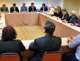 Vereadores de João Pessoa planejam ações administrativas e enxugamento de despesas durante reunião em Tambaú
