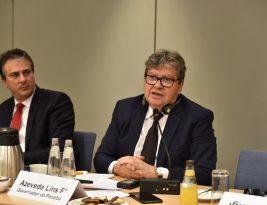 João Azevedo destaca potencial tecnológico de Campina Grande em encontro com empresários alemães