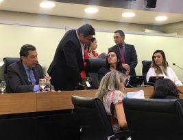 Oposição pede vistas e atrasa tramitação do projeto de reforma da previdência na Paraíba
