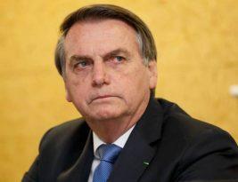 Bolsonaro leva uma queda no banheiro e é levado para o hospital das Forças Armadas; deverá ser liberado nesta terça-feira