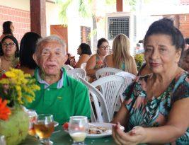 Dona Bastinha reúne familiares e amigos no Sinpol na linda festa do seu 80º aniversário