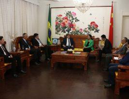 João Azevêdo discute ensino do mandarim e cooperações econômicas com cônsules chineses