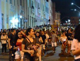 Bloco BOTA PRA DESCER arrasta cerca de 3 mil foliões pelas ruas do Centro Histórico de João Pessoa