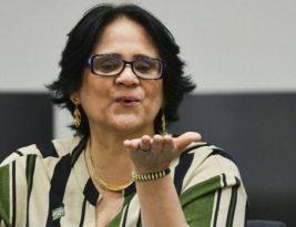 Damares contraria Bolsonaro e sugere home office a profissionais do sexo durante pandemia