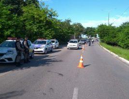 João Pessoa tem barreiras em vários pontos para reduzir circulação de pessoas e veículos