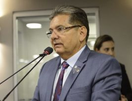Adriano Galdino anuncia repasse de R$ 2 milhões da ALPB ao Estado para ações de combate ao coronavirus