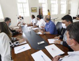 Dinho encaminha pedido para construir nova séde para a CMJP em reunião com o presidente da Caixa Econômica Federal