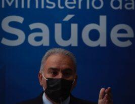 Ministro Marcelo Queiroga está com covid-19, terá de cumprir quarentena em Nova York e só voltará ao Brasil em 14 dias