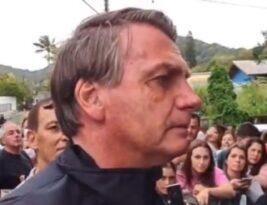 Bolsonaro queria ver o jogo do Santos mas foi barrado por não ter tomado a vacina contra o coronavirus