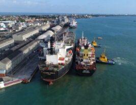 Bolsonaro anuncia leilão para venda do porto de Cabedelo