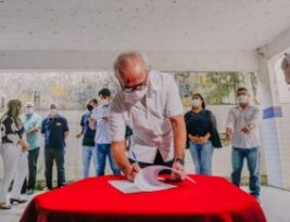 Prefeito Cícero Lucena assina ordem de serviço para reforma e beneficia estudantes da Escola Severino Patrício no Alto do Mateus