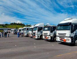 Antes de caminhoneiros, transportadores vão iniciar greve nesta quinta-feira